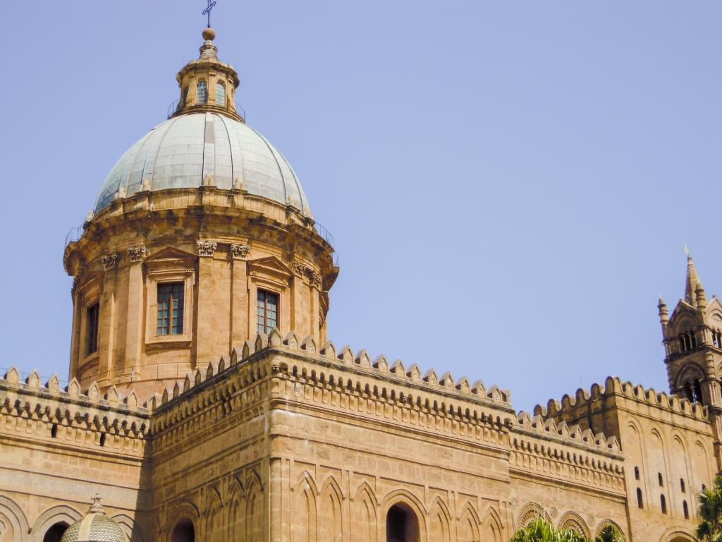 Palermo's Cathedral in Sicily | http://thewanderingwanderluster.com/10-must-see-places-in-sicily