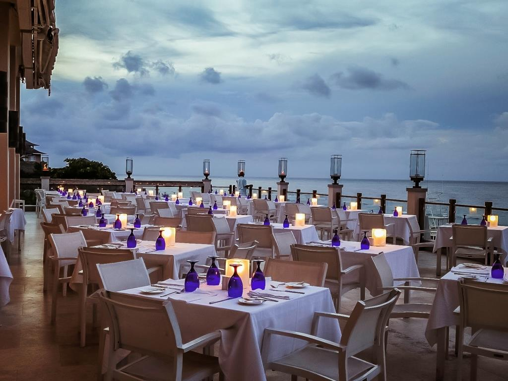 Vista Gourmet/Sky Terrace Restaurant Sandals Ochi Beach