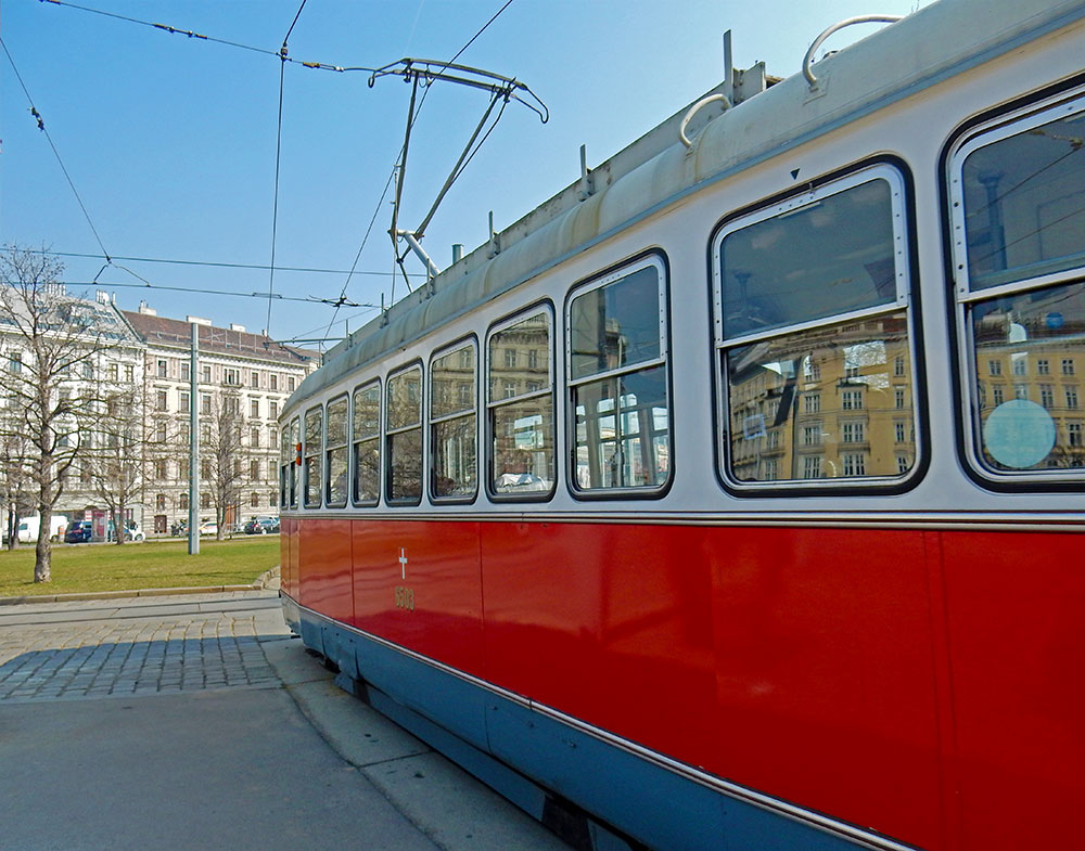 Top Things To Do In Vienna Ride The Ring Tram Vienna Austria