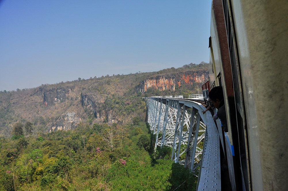 Day 10 – A Train Journey Over The Gokteik Viaduct